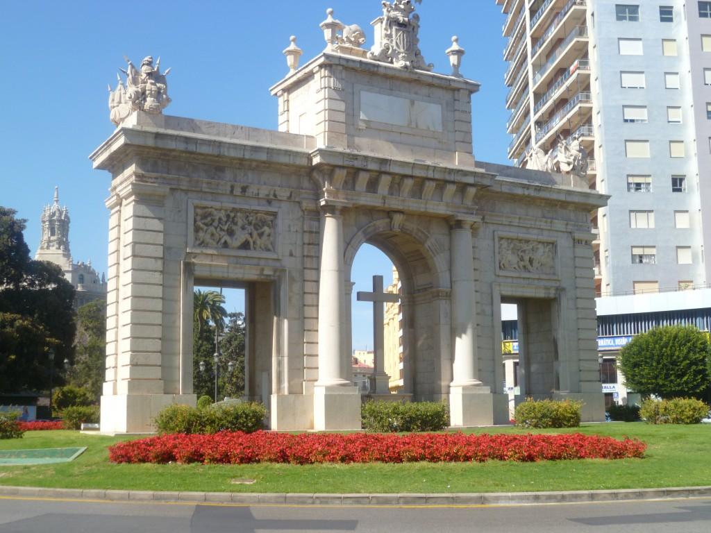 Puerta del mar Valencia