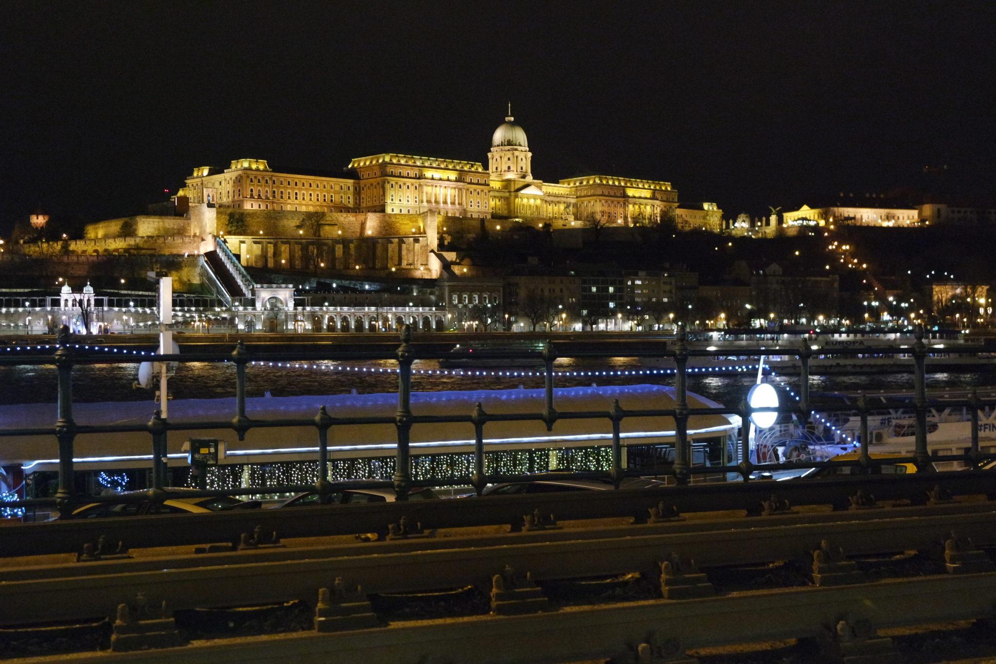 Budapest en hiver chateau de nuit